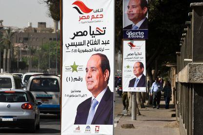 Les Égyptiens se rendent aux urnes dans un vote de trois jours pour choisir entre le président sortant Abdel Fattah al-Sisi et le candidat peu connu Moussa Mostafa Moussa