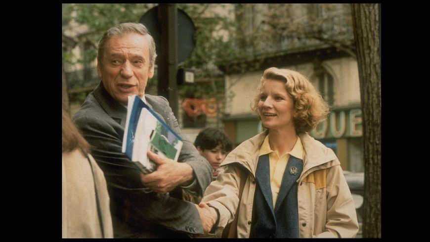 Yves Montant et Nicole Garcia dans le film Garçon !