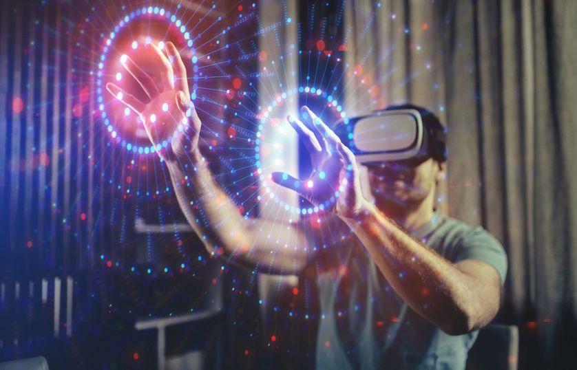 Parcourir le monde virtuel Lunettes à réalité virtuelle