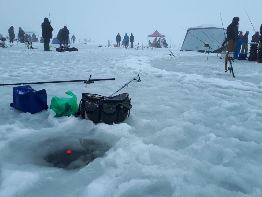 la pêche au trou au lac de Guéry