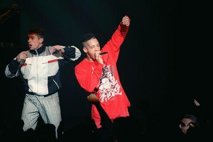 JoeyStarr et Kool Shen, les chanteurs du groupe de rap NTM, le 5 mai 1991 sur l'une des scènes du 15e Printemps de Bourges