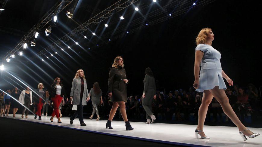 La Redoute présente sa collection de mode grandes tailles