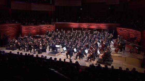Mikko Franck dirige l'Orchestre philharmonique de Radio France dans le Sacre du Printemps d'Igor Stravinsky