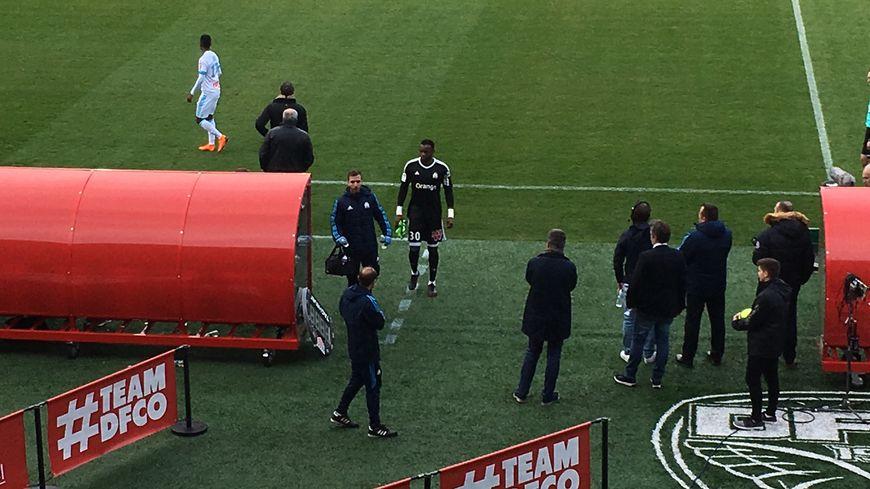 Steve Mandanda est sorti sur blessure ce samedi à Dijon (52e minute) ; c'est déjà la 2e fois cette saison pour le gardien de l'OM