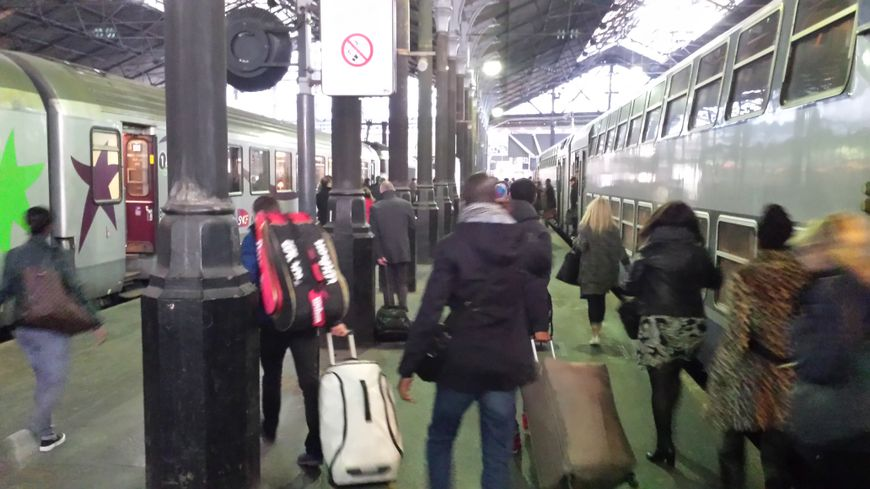 Au mouvement social des fonctionnaires s'ajoute la grève à la SNCF