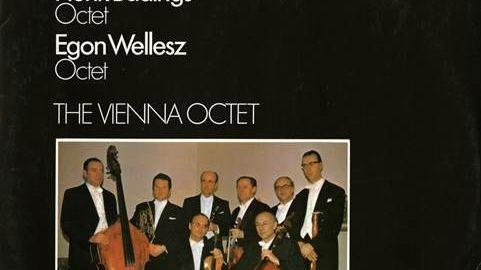 Egon Wellesz, compositeur et musicologue britannique, d'origine autrichienne.
