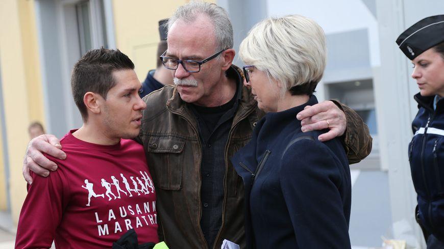Les parents d'Alexia Daval et leur gendre Jonathann, le 4 novembre 2017 à Gray, lors du jogging solidaire organisé par le Tri Val de Gray.