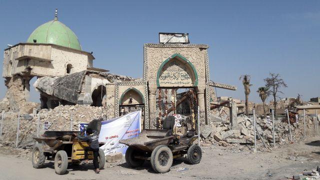 La Mosquée Al Nouri, où Al Bagdadi proclama son califat en 2014, a été détruit à l'explosif par les djihadistes.