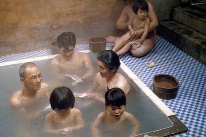 Bains collectifs au Japon en décembre 1978