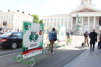 Aurel Zola et Charles Druet fondateur de Vélocom sur leurs vélos
