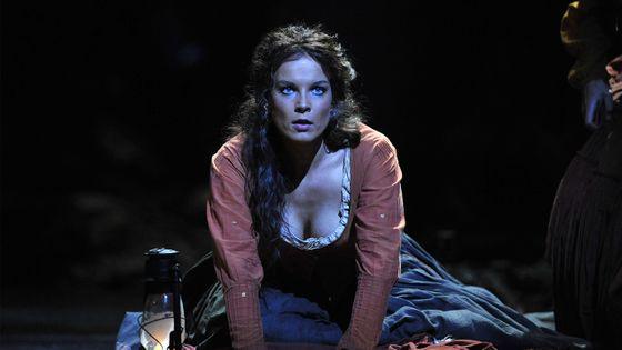 Elina Garanca dans Carmen de Georges Bizet au Royal Opera House de Covent Garden à Londres