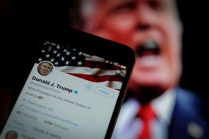 Tweeter sur Donald Trump peut désormais coûter très cher aux emplyés fédéraux américains