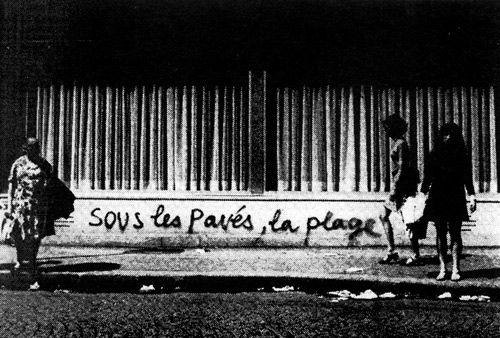 Graffiti sur les murs de Paris en mai 1968
