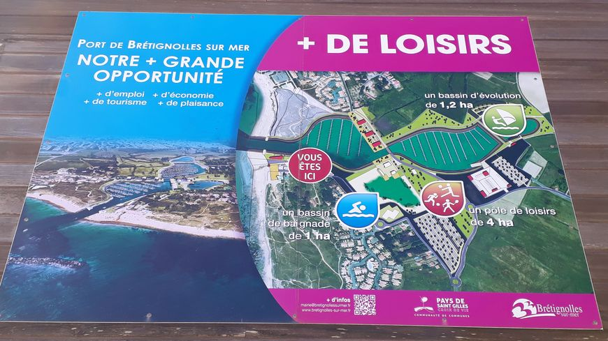 Le panneau posé par la municipalité, à la base nautique de la Normandelière