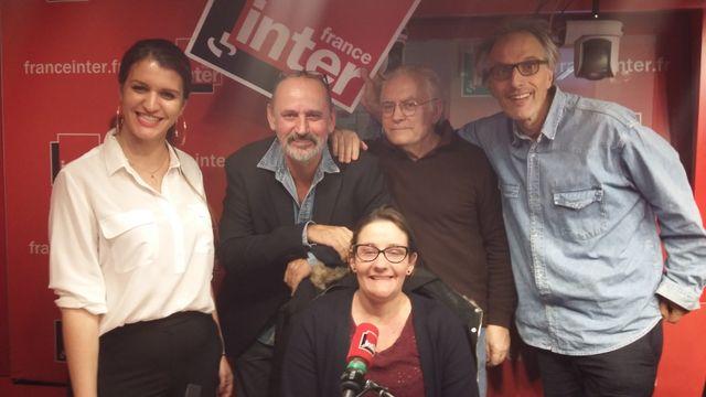 """""""Vous Les Femmes"""", de gauche à droite : Marlène Schiappa, Daniel Morin, Albert Algoud, Hervé Pauchon et, au centre, Double A alias Anne-Alexandrine Briand - Mars 2018."""