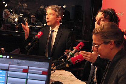 Guillaume Meurice, Alex Vizorek et Charline Vanhoenacker candidats à la présidence de Radio France