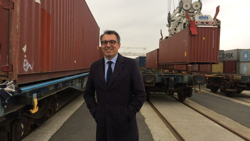 Luc Lemonnier , le maire du Havre quitte les Républicains