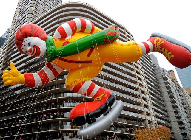 ballon à l'effigie de Ronald Mc Donald à New York
