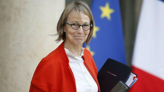 Françoise Nessyn à la sortie du conseil des ministres