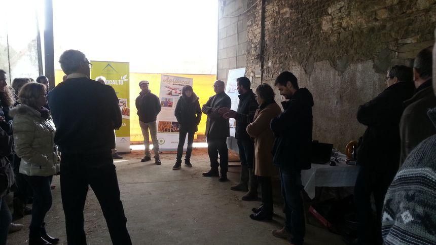Ludovic Chénier a accueilli les responsables de cantine dans son exploitation de Venesmes (Cher)