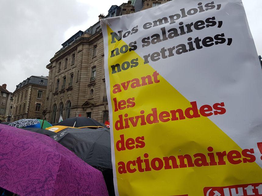 L'heure est à la convergence des luttes pour les manifestants - Radio France