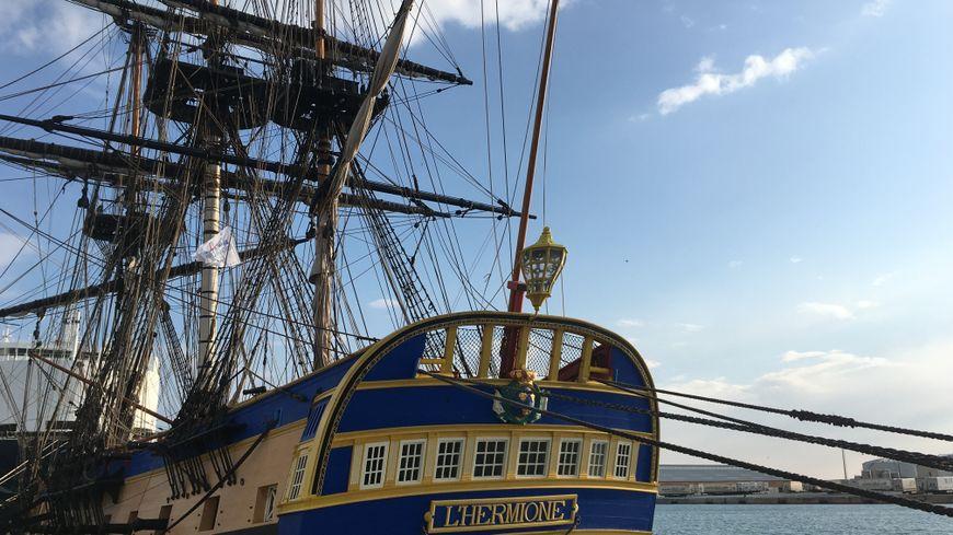 L'Hermione et son équipage ont fait leur entrée mardi matin dans le port de Sète