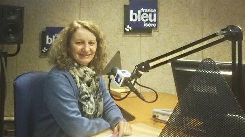 Médecin responsable du programme de dépistage des cancers en Isère, Catherine Exbrayat présente Mars bleu, une opération de sensibilisation autour du cancer colorectal.