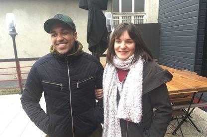 Kassim et Lucie, inscrits à la mission locale de Bondy en Seine-Saint-Denis, éligible à l'expérimentation, et dont la moitié du territoire est classé quartier prioritaire politique de la ville.