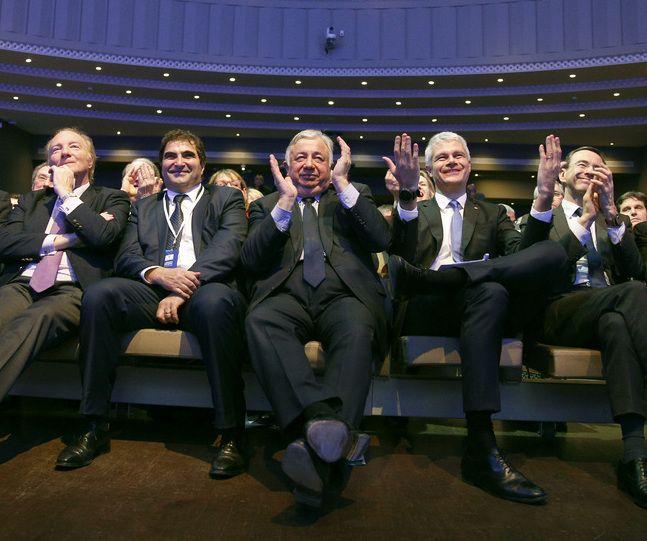 """Christian Jacob et Laurent Wauquiez ont jugé """"'surréaliste"""" et """"humiliante"""" la garde-à-vue de Nicolas Sarkozy. Gérard Larcher (au centre) n'a pas fait de commentaires."""