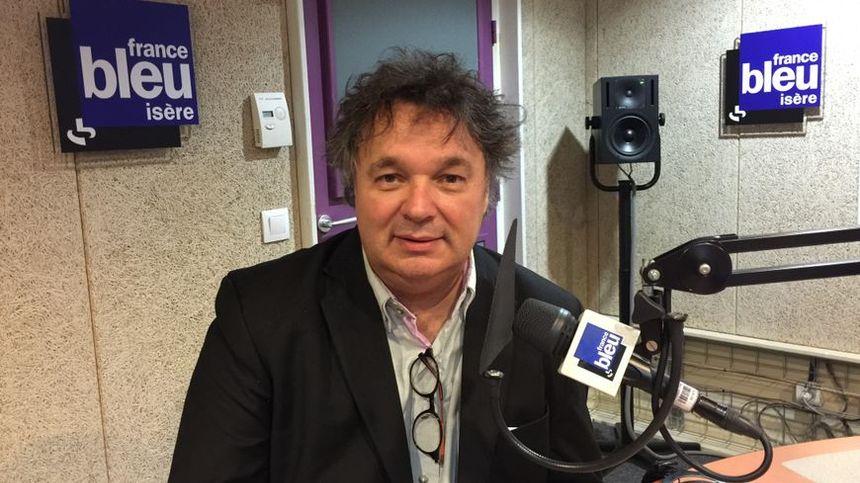 Le Chef d'orchestre Patrick Souillot dans le studio de France Bleu isère