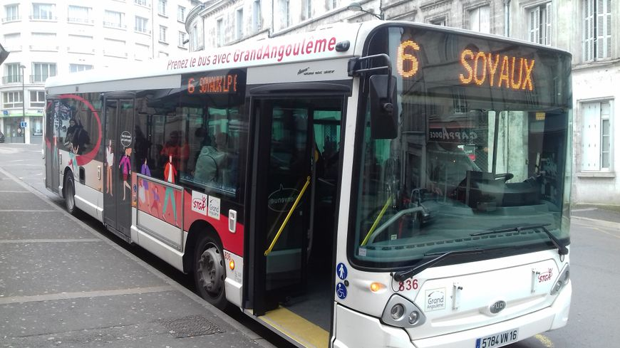 Un bus de la société STGA