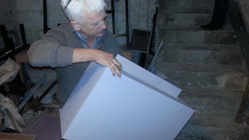 Laurent Arthur, conservateur adjoint du muséum de Bourges, est à l'origine de la conception de ces nichoirs à chauves-souris.