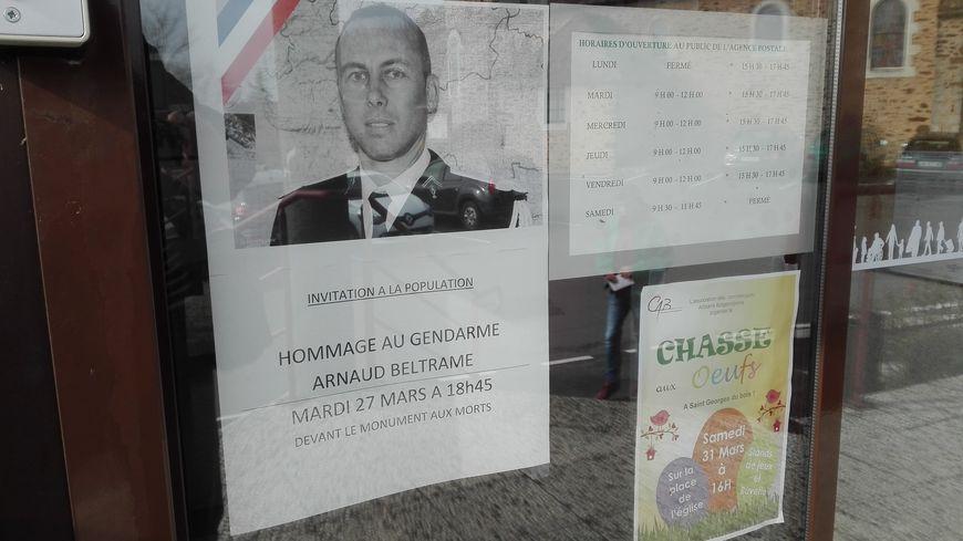 Le maire de Saint Georges du Bois appelle les habitants à saluer la bravoure et le sacrifice d'Arnaud Beltrame.