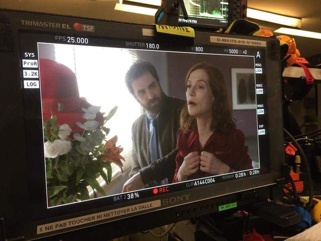 Isabelle Huppert et Gregory Montel, sur le tournage de la saison 3 de la série Dix Pour Cent