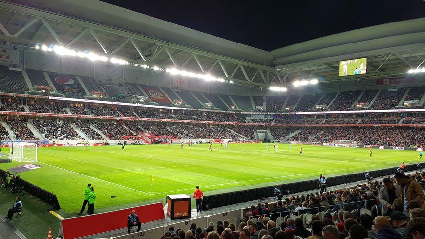 Le stade Pierre-Mauroy de Villeneuve d'Ascq, d'un match de Ligue 1 de football
