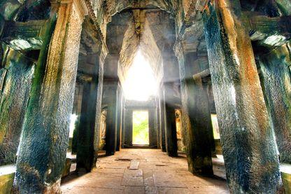 À l'intérieur du temple Angkor Wat au Cambodge