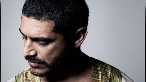 """CRIOLO : """"Dans la favela, on est tellement les uns à côté des autres que l'on peut entendre nos sentiments."""""""