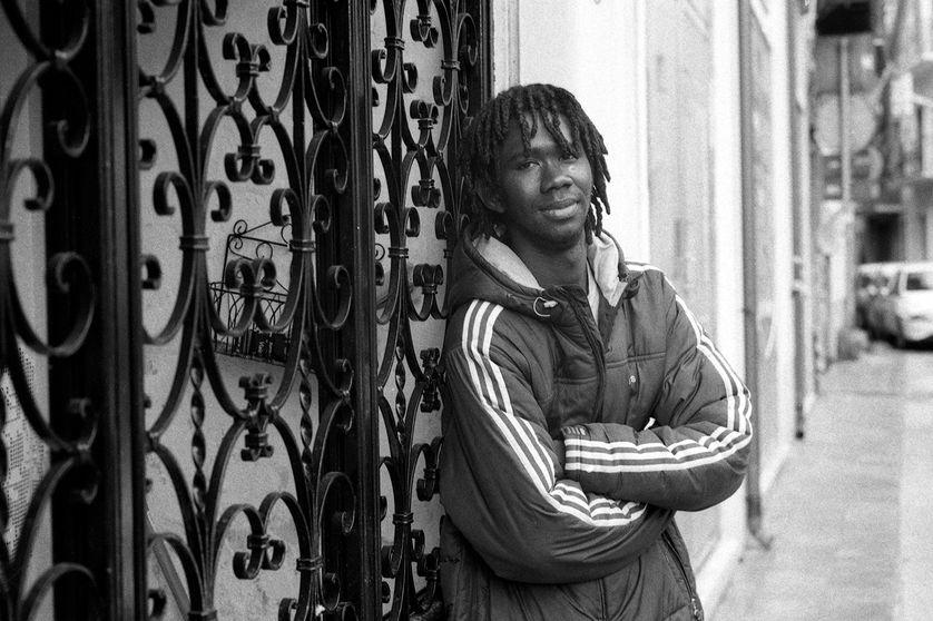 Ousaineu Joof, citoyen gambien risque 12 à 15 ans de prison pour aide au passage illégal de la frontière. Il avait 15 ans au moment des faits.