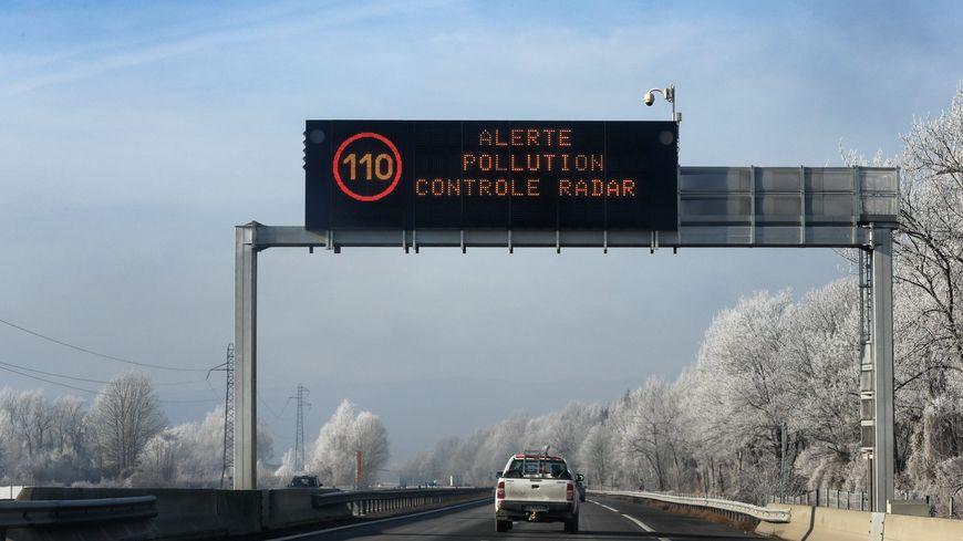 Bonneville (haute-Savoie) en décembre 2016. Des limitations de vitesse sont imposées en cas de pic de pollution
