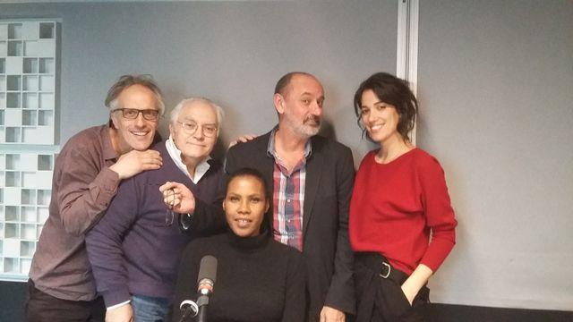 Vous Les Femmes, de gauche à droite, Hervé Pauchon, Albert Algoud, Suzy Palatin, Daniel Morin, Laurie Cholewa