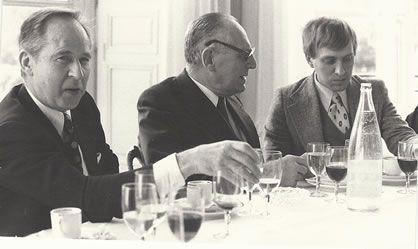 Photo datant de 1976. De gauche à droite, Marcel Landowski, l'homme politique et académicien Maurice Schumann et Alain Louvier