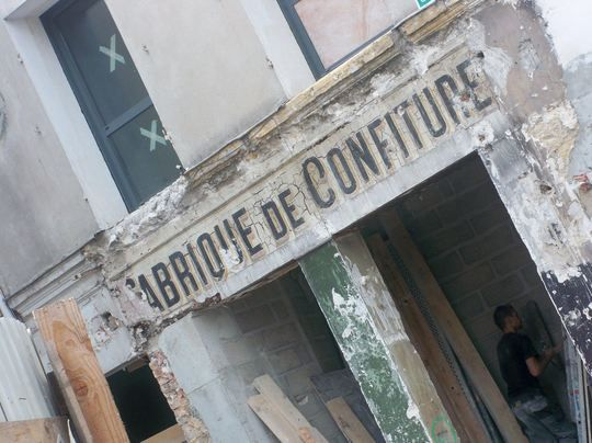 "La façade de la ""Fabrique de Confiture"" de Vincennes en 2010"