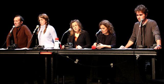 Les comédiens de la Compagnie de L'Argument dans Zaï zaï zaï zaï sur la scène de La Ferme du Buisson dans le cadre du Pulp Festival