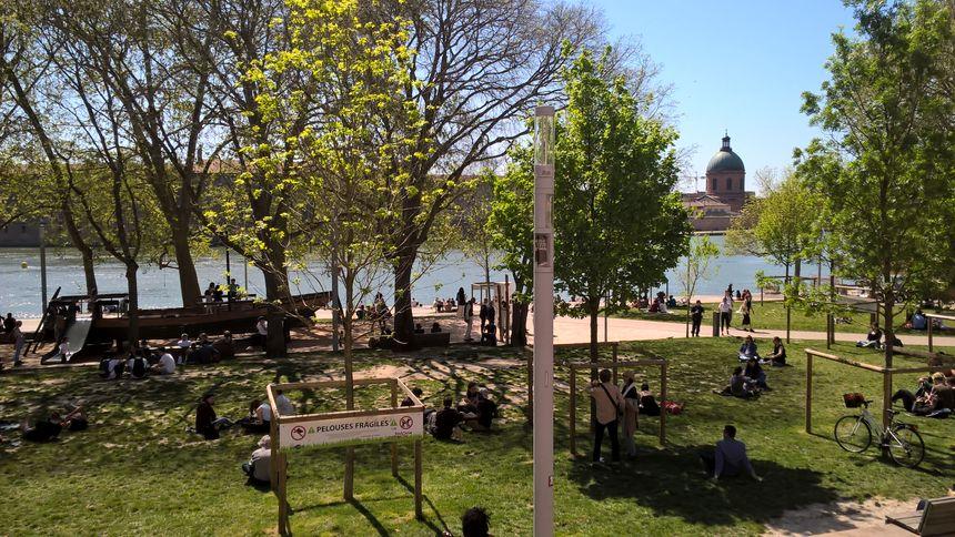 La Daurade, récemment restaurée, est un lieu prisé des Toulousains pour le farniente et les soirées arrosées.