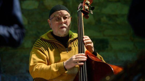 """Henri Texier, """"Il n'y a pas de jazz s'il n'y a pas de résonances africaines"""" (3/5)"""