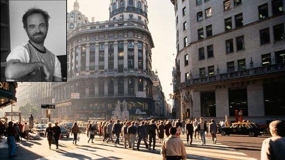 Facundo Llompart par Catalina Lodillinsky et foule de Buenos Aires