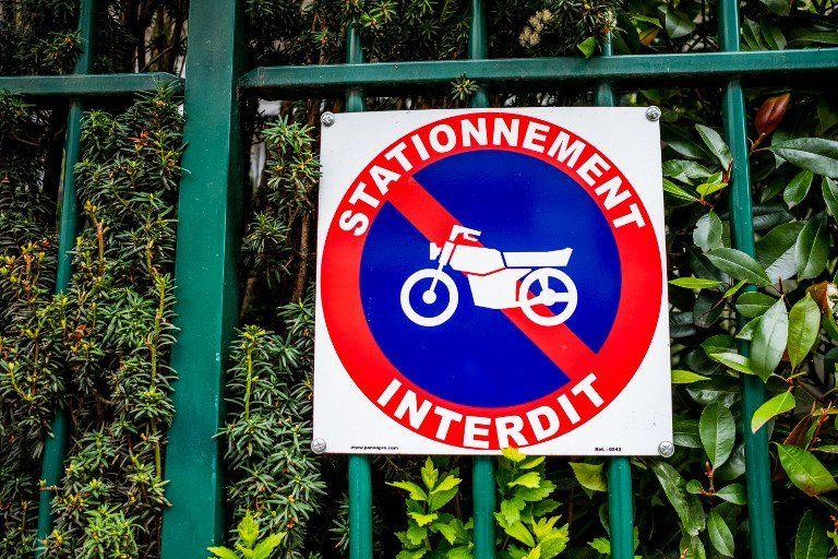 Panneau d'interdiction de stationnement