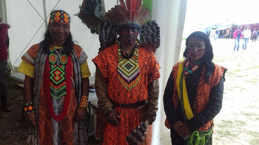 La délégation de chamans brésiliens