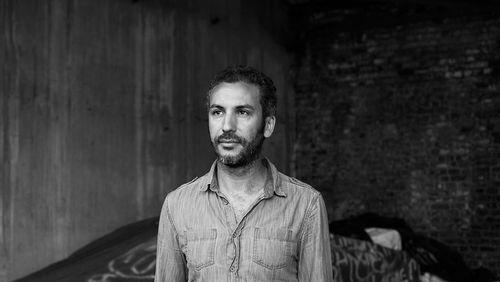 """La Nuit rêvée de Mohamed El Khatib (2018) (10/10) : Mohamed El Khatib : """"J'ai commencé à filmer ma mère, c'est là qu'est né un désir de cinéma"""""""