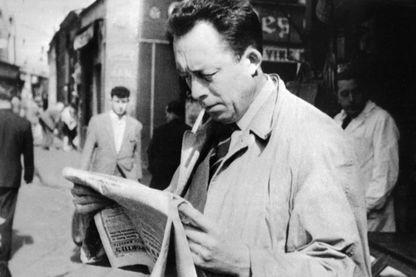 L'écrivain français et journaliste et Albert Camus en 1953. Quatre ans plus tard, il recevait le Prix Nobel de littérature pour l'ensemble de son œuvre